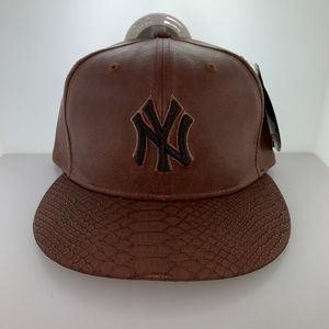 New Era New York Yankees Guarded Finish Strapback
